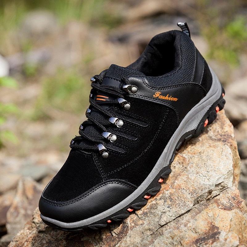 Lự chọn giày lei núi chuyên dụng giúp bạn dễ dàng chinh phục mọi cung đường