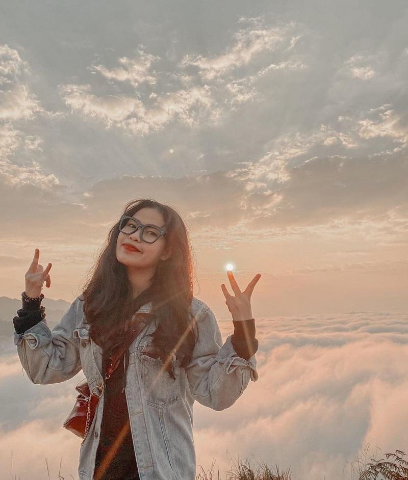 Biển mây mù trên đỉnh núi Bà Đen